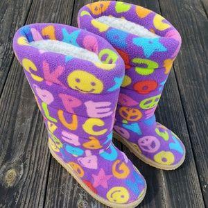 BeePosh Melissa & Doug Ricky Boot Slippers S/11-1